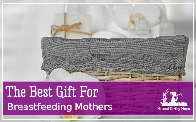 This is the perfect new mom gift for a baby shower or once baby is born! How to put together a breastfeeding basket #breastfeeding #breastfeedingtips #babyshower #newborn #giftideas