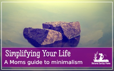 Is life all too much now that you are a mom? Here are 50 ways to reduce stress and simplify your life. Embracing minimalism may not be for everyone, but even trying a few of these life hacks and simple living tips can help improve your personal wellbeing and help you become more organized! #minimalism #simpleliving #stressreduction #mom #naturalearthymama
